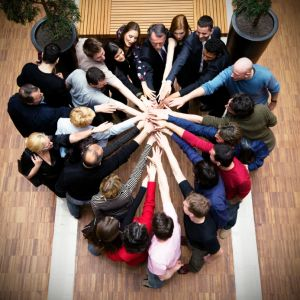 church-people-working-together